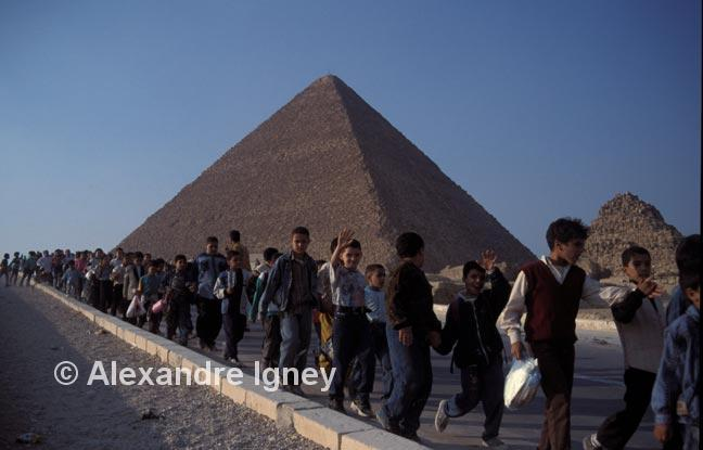 egypt-pyramids-children
