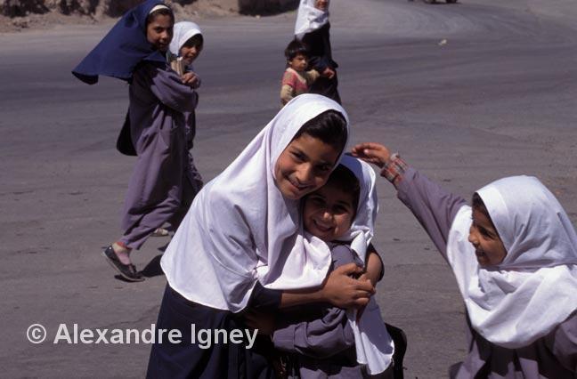 iran-bam-schoolgirls
