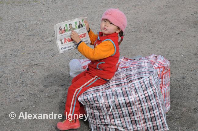 kyrgyzstan-girl-reads