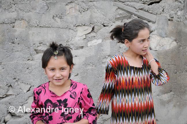 kyrgyzstan-girls