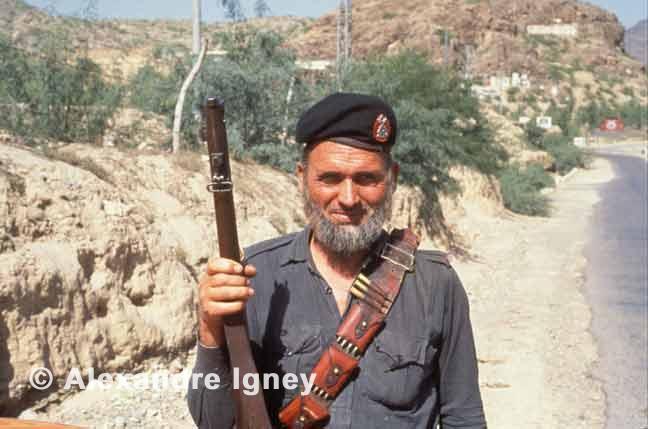 pakistan-khyber-guard