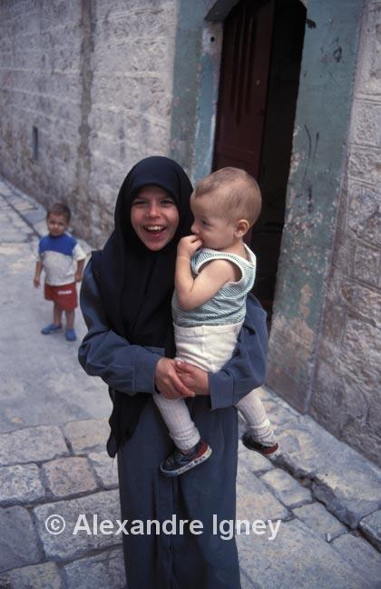syria-girl-baby