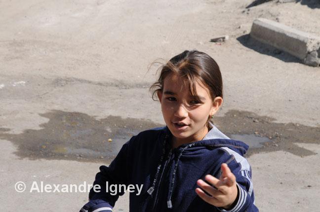 uzbekistan-girl-seller