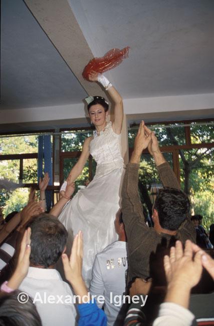 albania-bride-dance