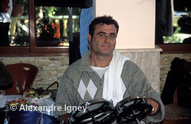 albania-gipsy-drummer