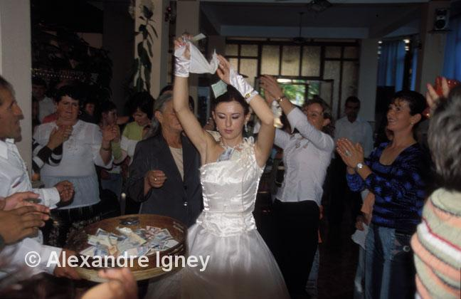 albania-wedding-dance