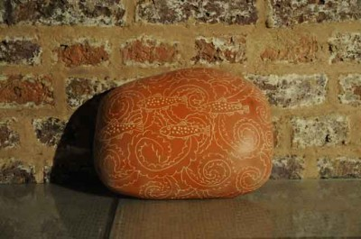 clay-stone-sgraffito