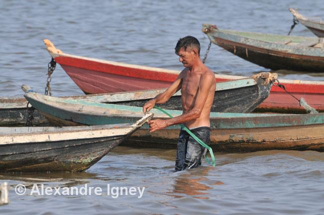 amazon-santarem-fisherman