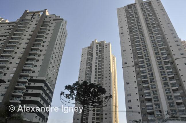 brazil-curitiba-buildings