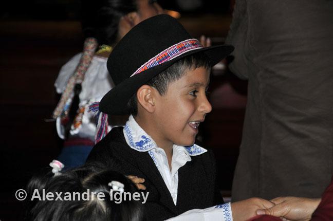 ecuador-folklore-children