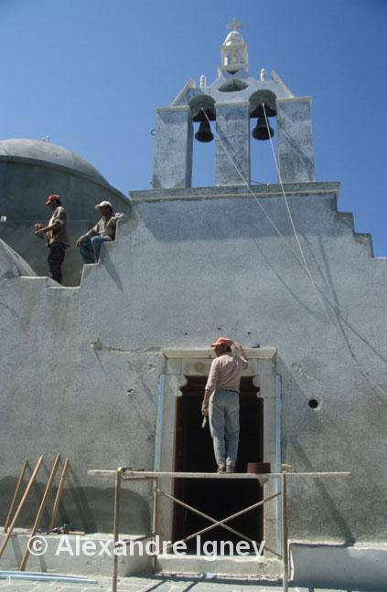 greece-church-workers