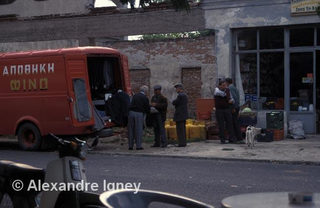 greece-street-sellers