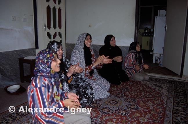 iran-women-dance