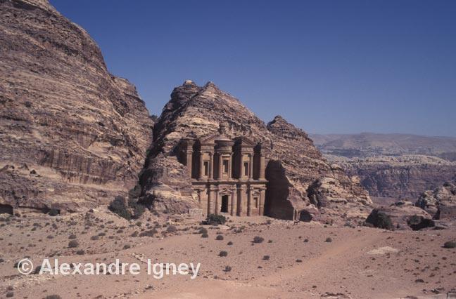 jordan-petra-temple