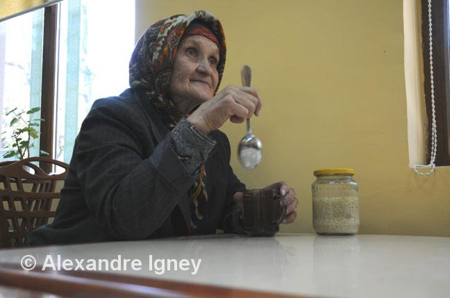 kazakhstan-homeless-woman