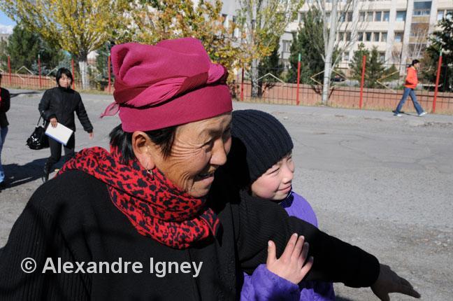 kyrgyzstan-old-woman