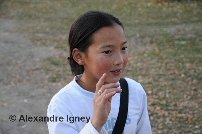 kyrgyzstan-school-girl
