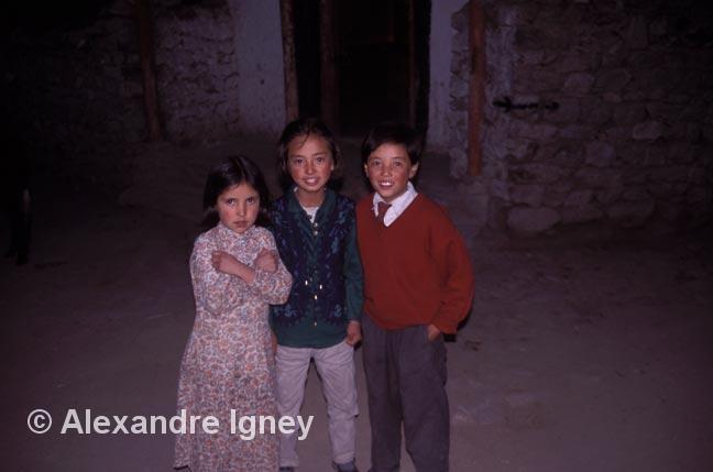 ladakh-girls-boy