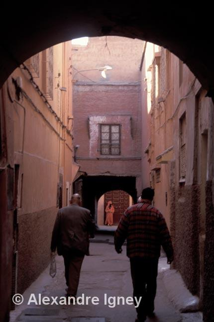 morocco-alley-people