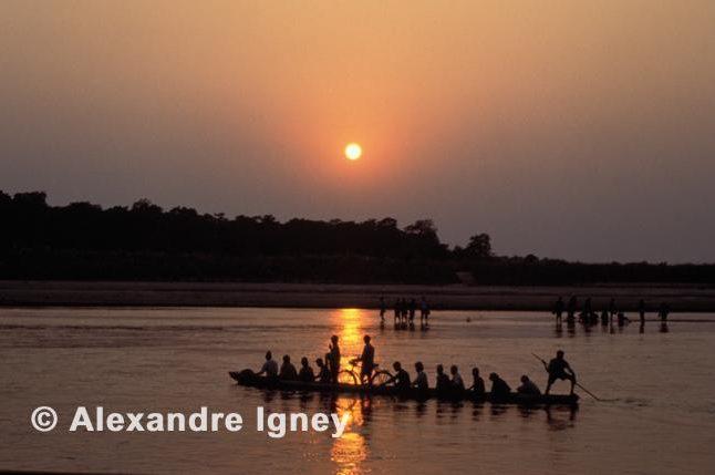 nepal-river-crossing