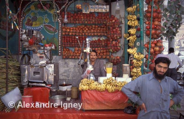 pakistan-fruit-sellers