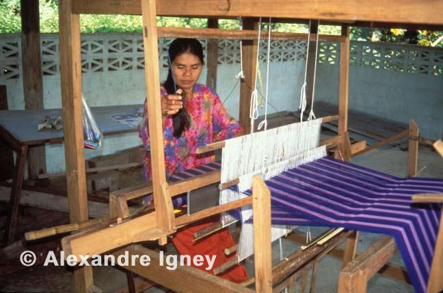 thailand-woman-weaver