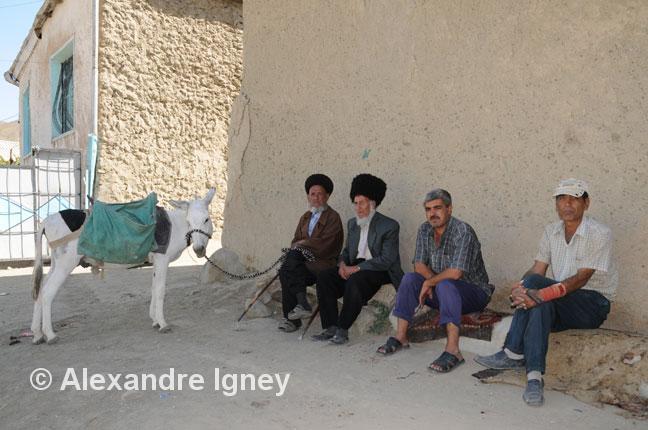 turkmenistan-villagers-men