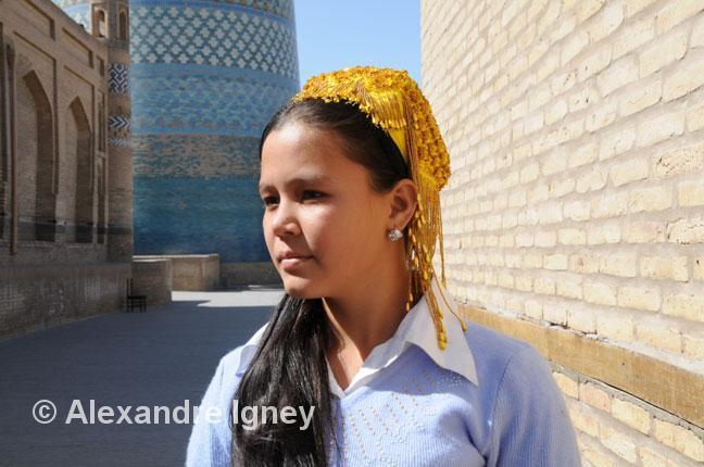 uzbekistan-khiva-girl