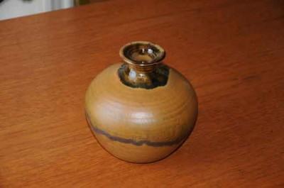 vase-gas-brown