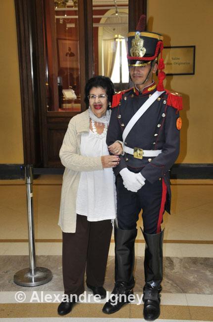 argentina-casarosada-woman