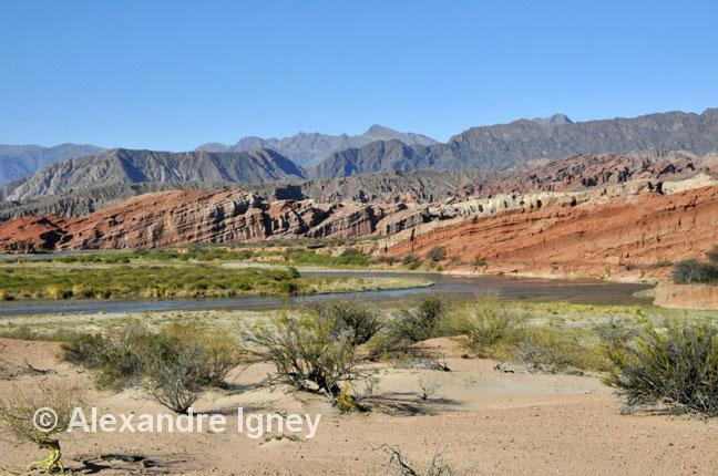 argentina-ruta40-rocks1