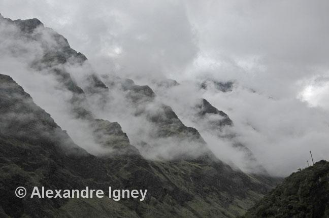 bolivia-andes-mist