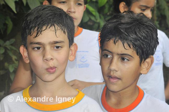brazil-iguazu-children