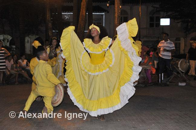 colombia-dance-woman